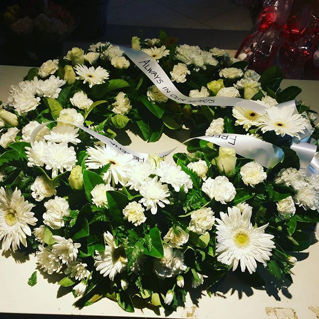 roxburgh park flower shop